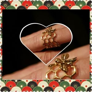 BEE🐝Nature & Honey Comb Charm Adjusta GPL. Ring